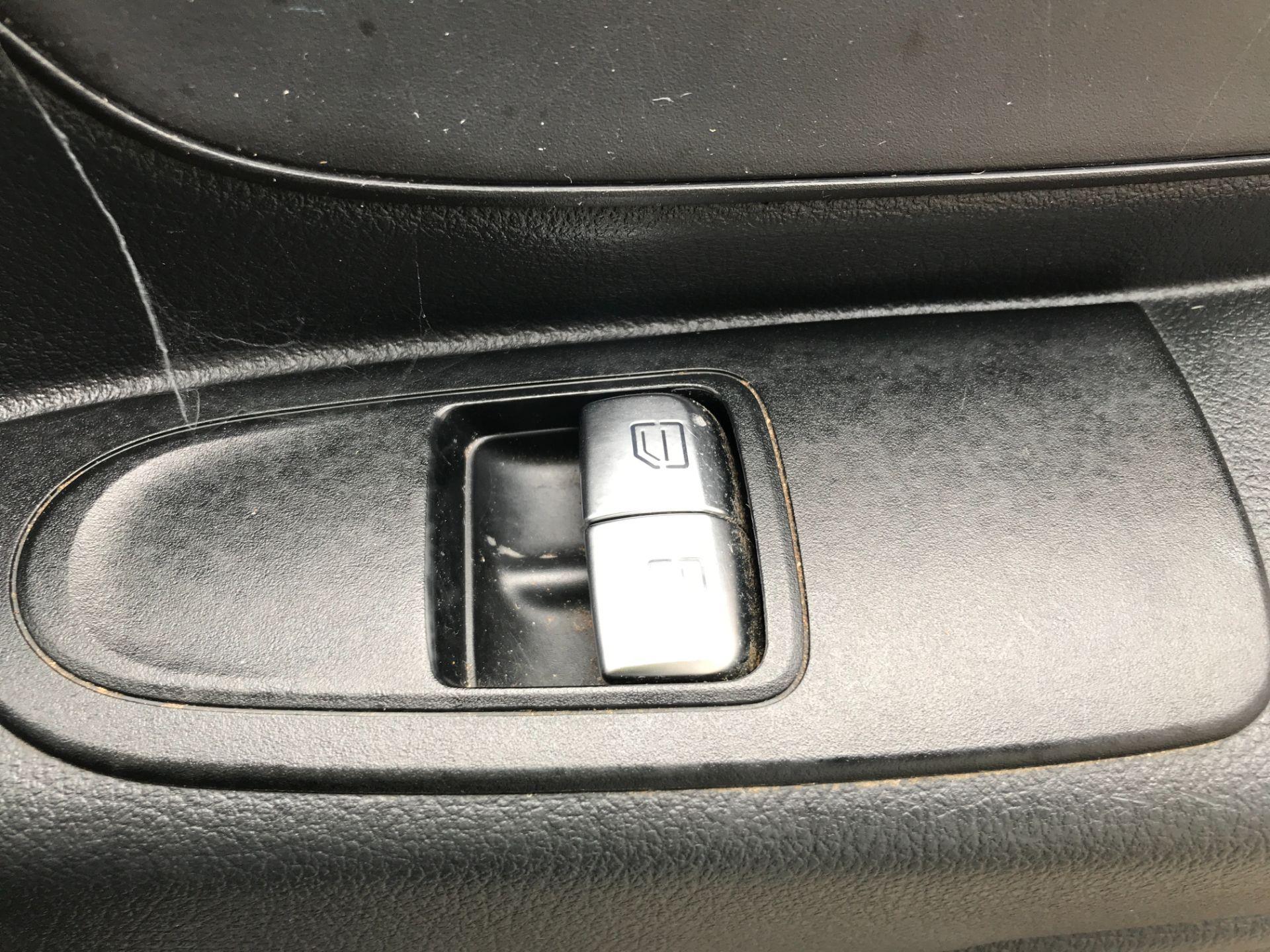 2017 Mercedes-Benz Vito 111CDI LWB 110PS EURO 6 (KM67BHD) Image 15