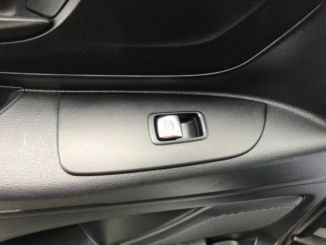2017 Mercedes-Benz Vito LONG 111CDI VAN EURO 6  (KM67BHJ) Image 25