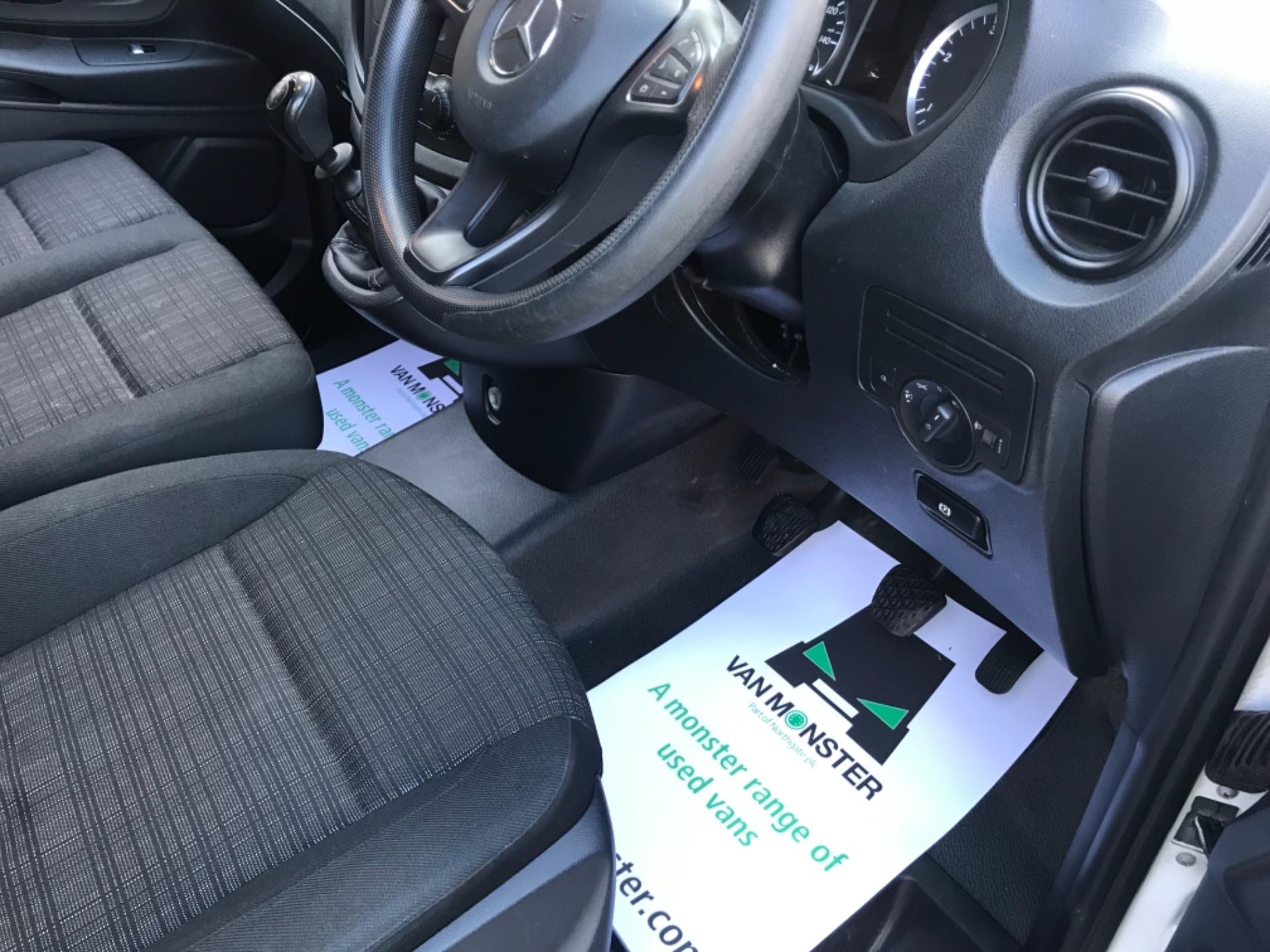 2017 Mercedes-Benz Vito LONG 111 CDI VAN EURO 6  (KM67BKY) Image 12