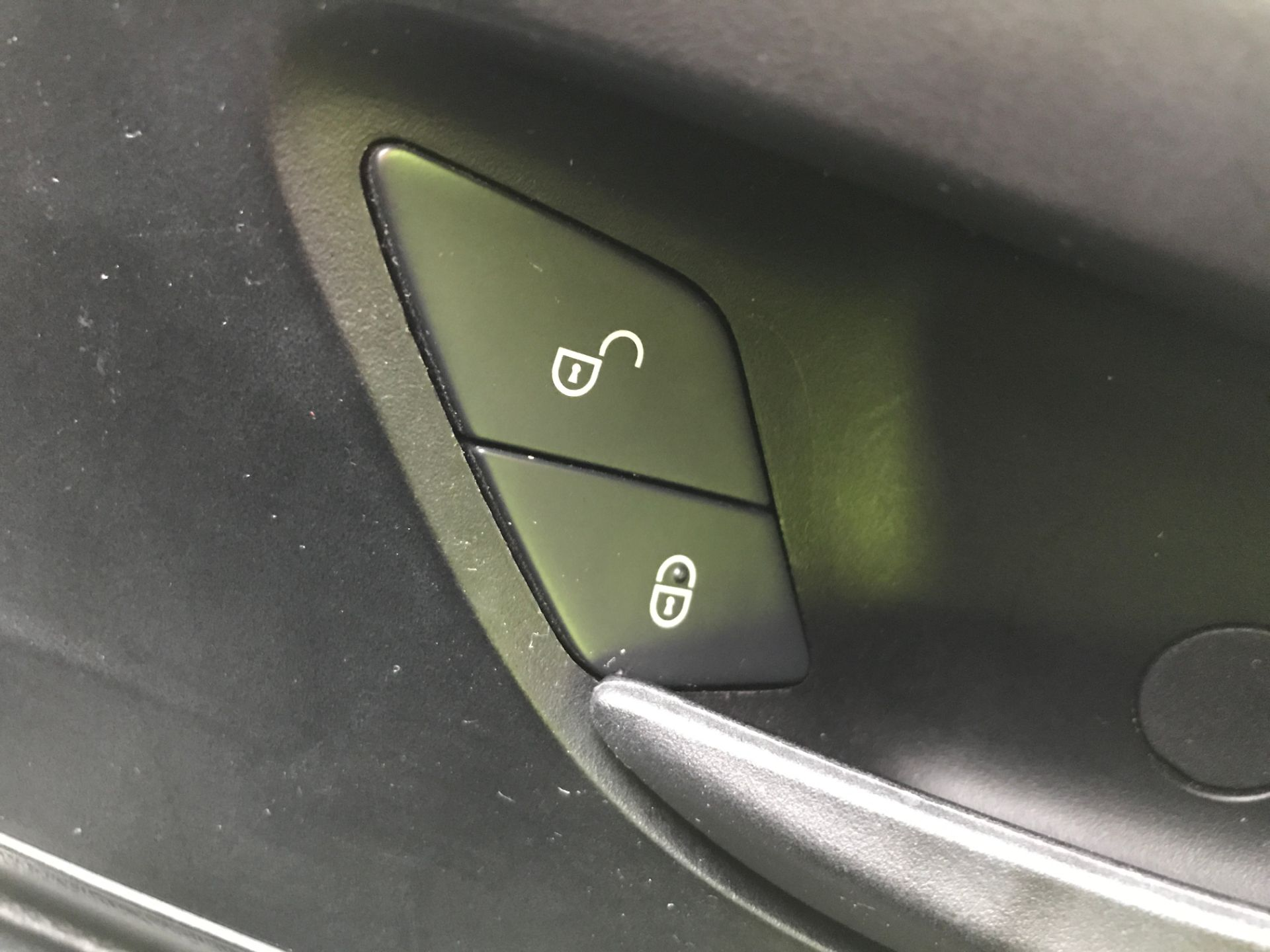 2017 Mercedes-Benz Vito 111CDI LWB 110PS EURO 6 (KM67BMY) Image 26