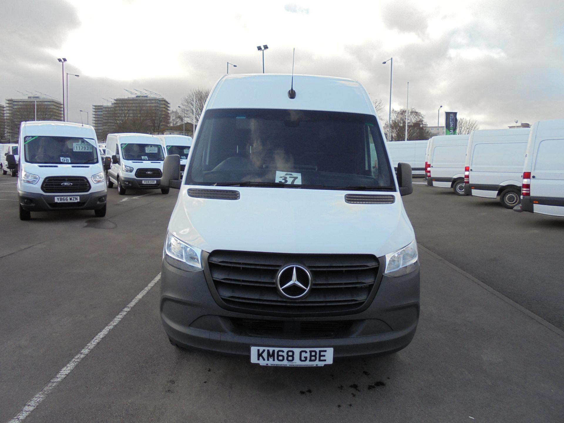 2018 Mercedes-Benz Sprinter 314 CDI 3.5T MWB Van (KM68GBE) Image 2
