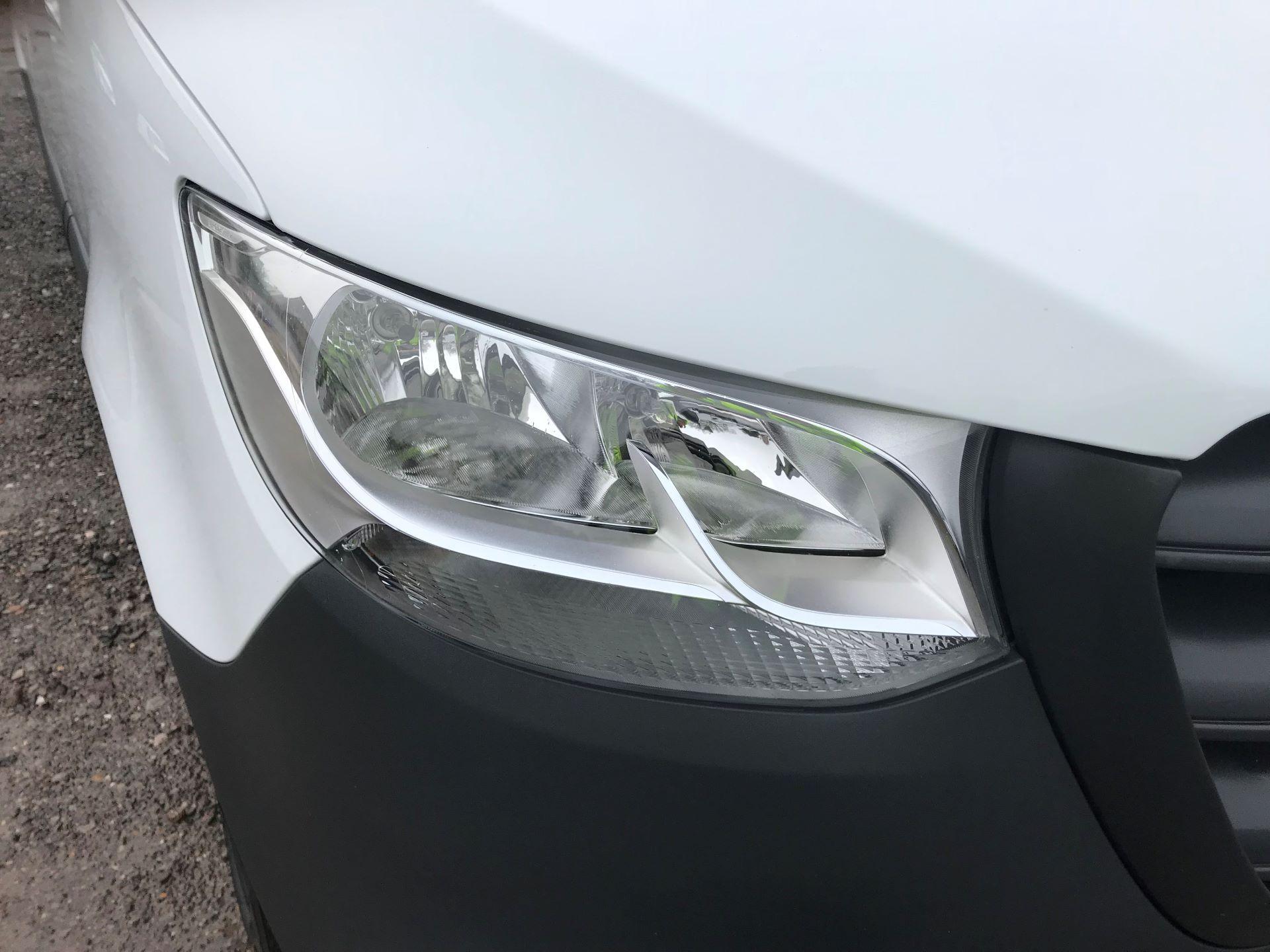 2018 Mercedes-Benz Sprinter 3.5T H2 Van EURO 6 (KM68GGF) Image 26