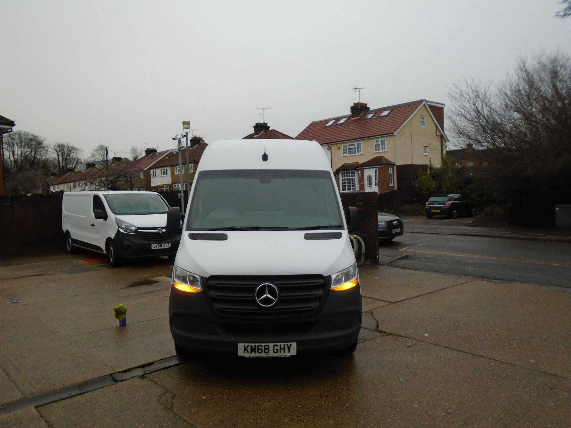 2018 Mercedes-Benz Sprinter 3.5T H2 Van(EURO 6) (KM68GHY) Image 2