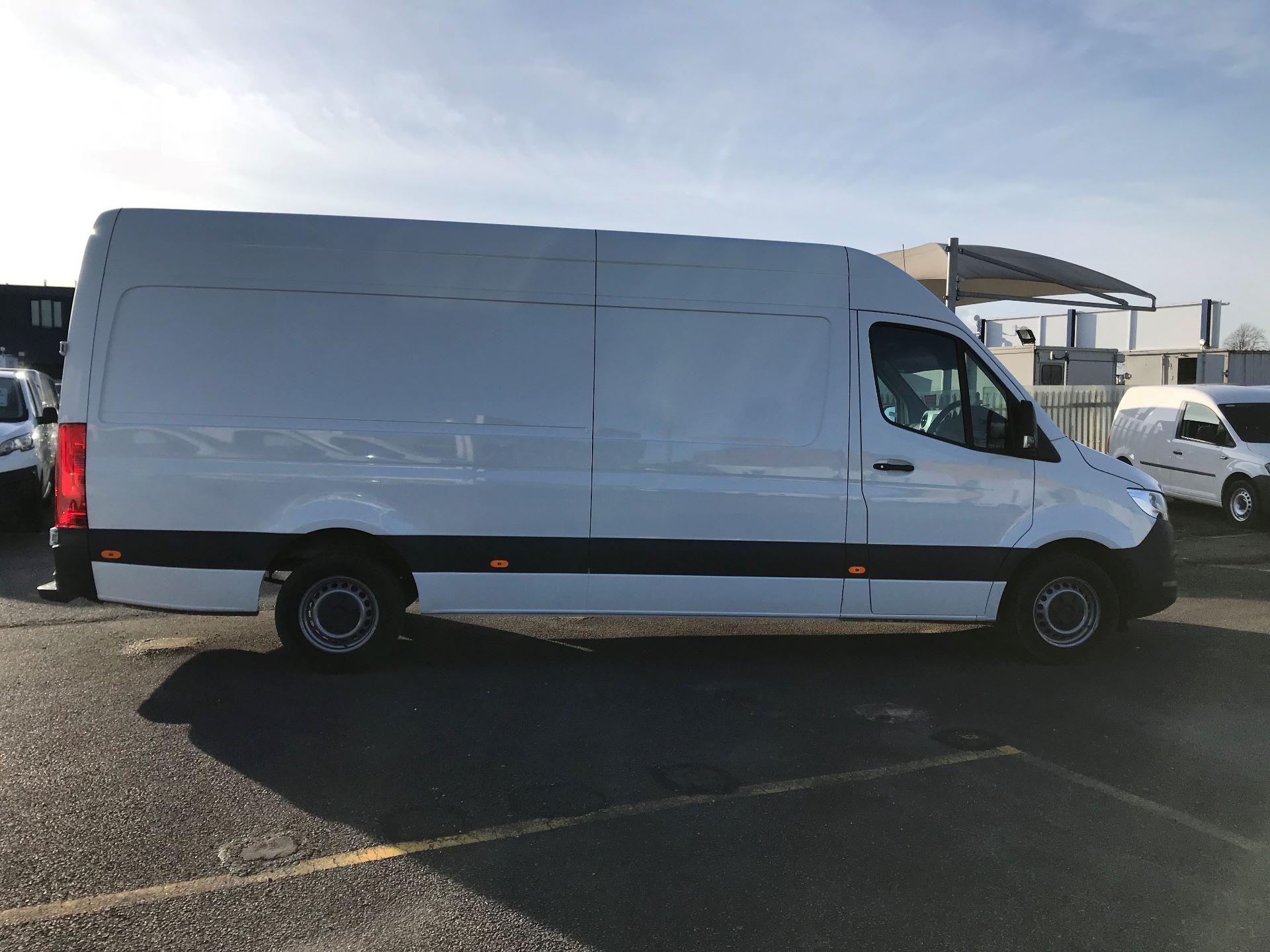 2018 Mercedes-Benz Sprinter 314 MWB H/R VAN EURO 6 (KM68PXP) Image 8