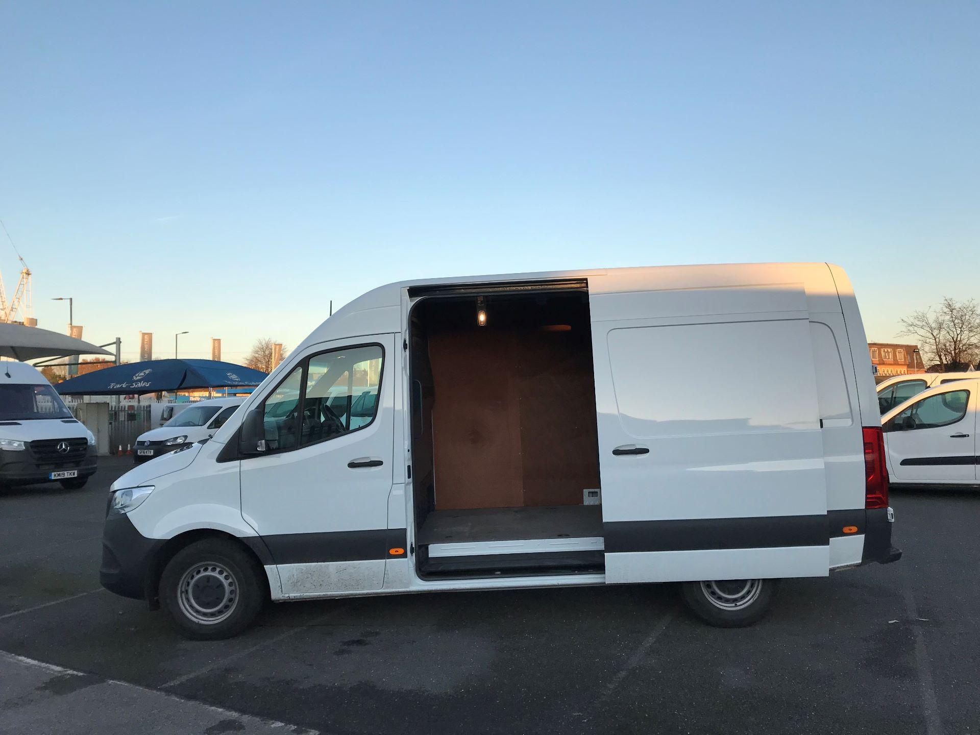 2018 Mercedes-Benz Sprinter  314 MWB H/R VAN EURO 6 (KM68UCU) Image 10