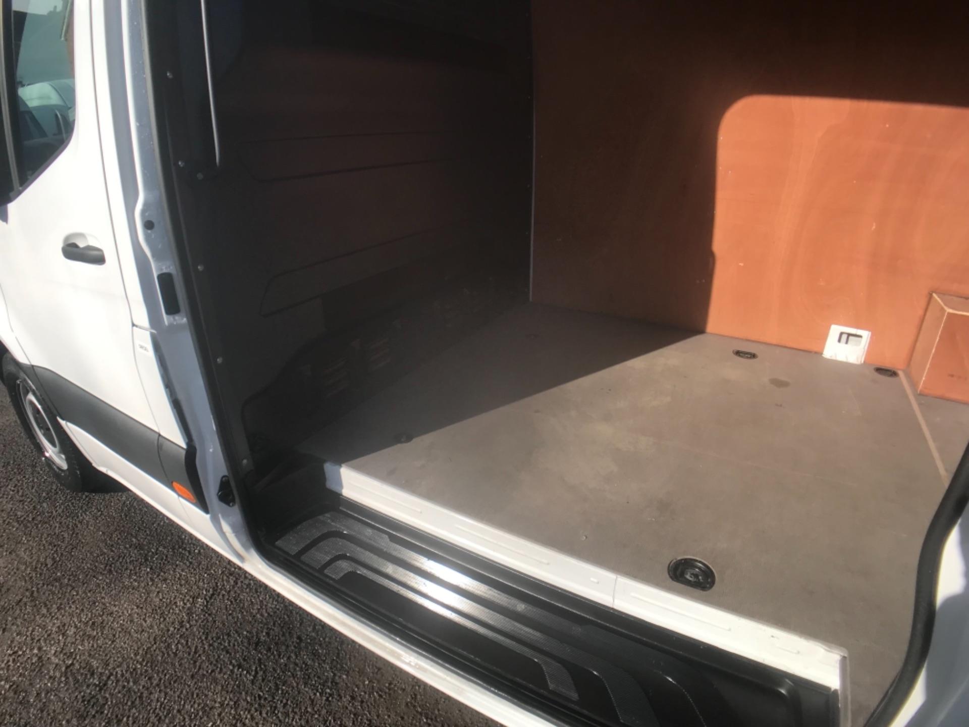 2018 Mercedes-Benz Sprinter  314 MWB H/R VAN EURO 6 (KM68UED) Image 23