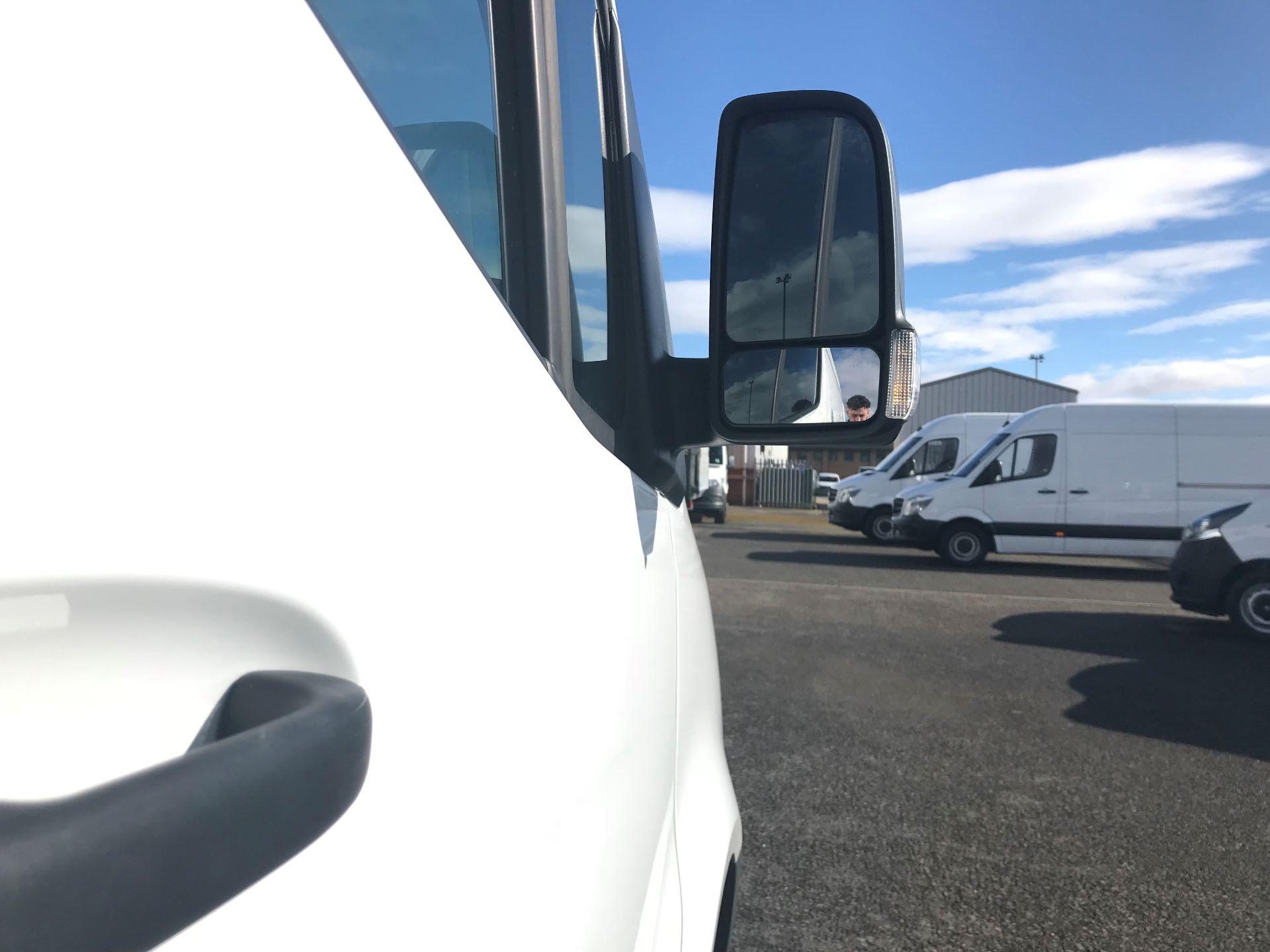 2018 Mercedes-Benz Sprinter 3.5T H2 Van (KM68UGA) Image 9