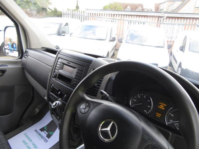 2015 Mercedes-Benz Sprinter  313 MWB H/R EURO 5   *TOW BAR & RACKING* (KN15XTU) Image 19