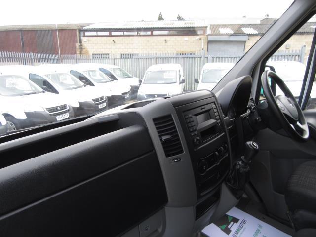 2015 Mercedes-Benz Sprinter  313 MWB H/R EURO 5   *TOW BAR & RACKING* (KN15XTU) Image 32