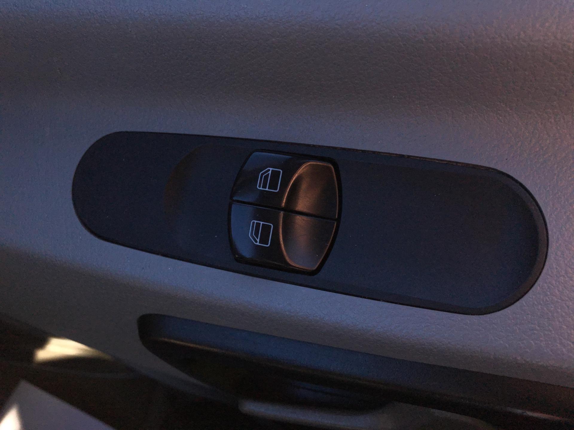 2015 Mercedes-Benz Sprinter  313 LWB 3.5T DROP SIDE EURO 5 (KN15XTY) Image 16
