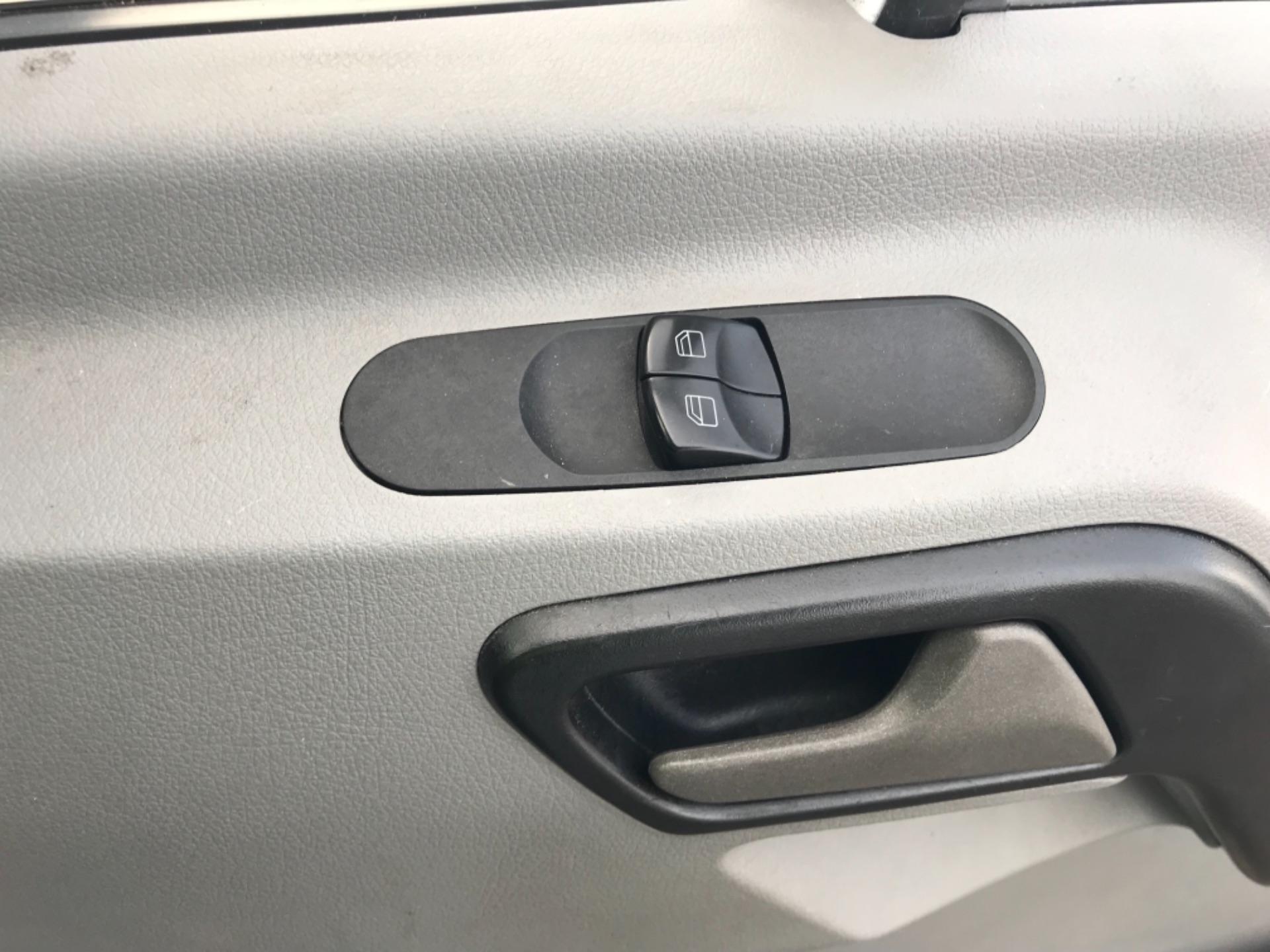 2017 Mercedes-Benz Sprinter 314 MWB H/R BLUE EFFICIENCY VAN EURO 6 (KN17BPY) Image 20