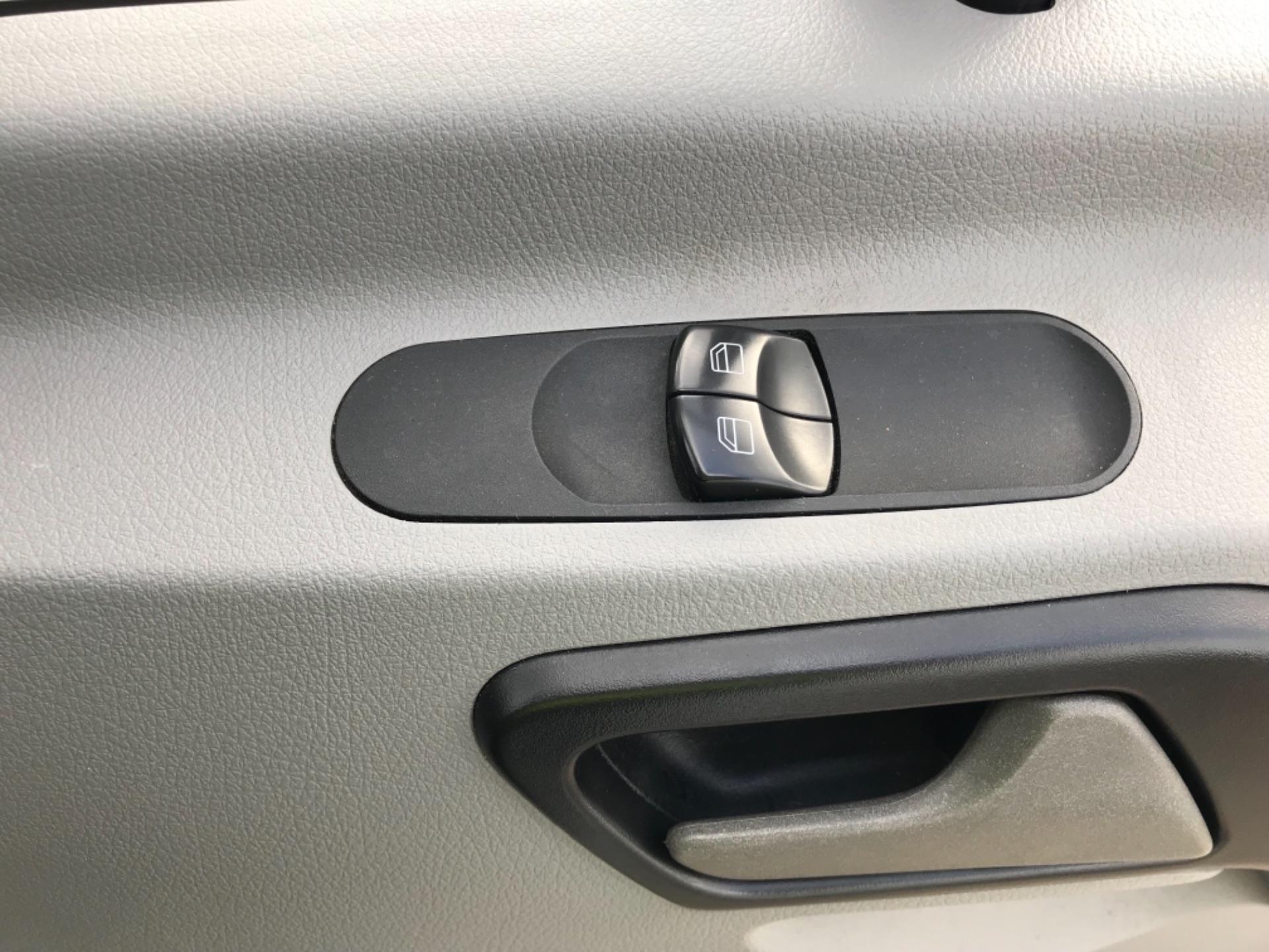 2017 Mercedes-Benz Sprinter  314 LWB H/R VAN EURO 6 (KN17BUP) Image 19