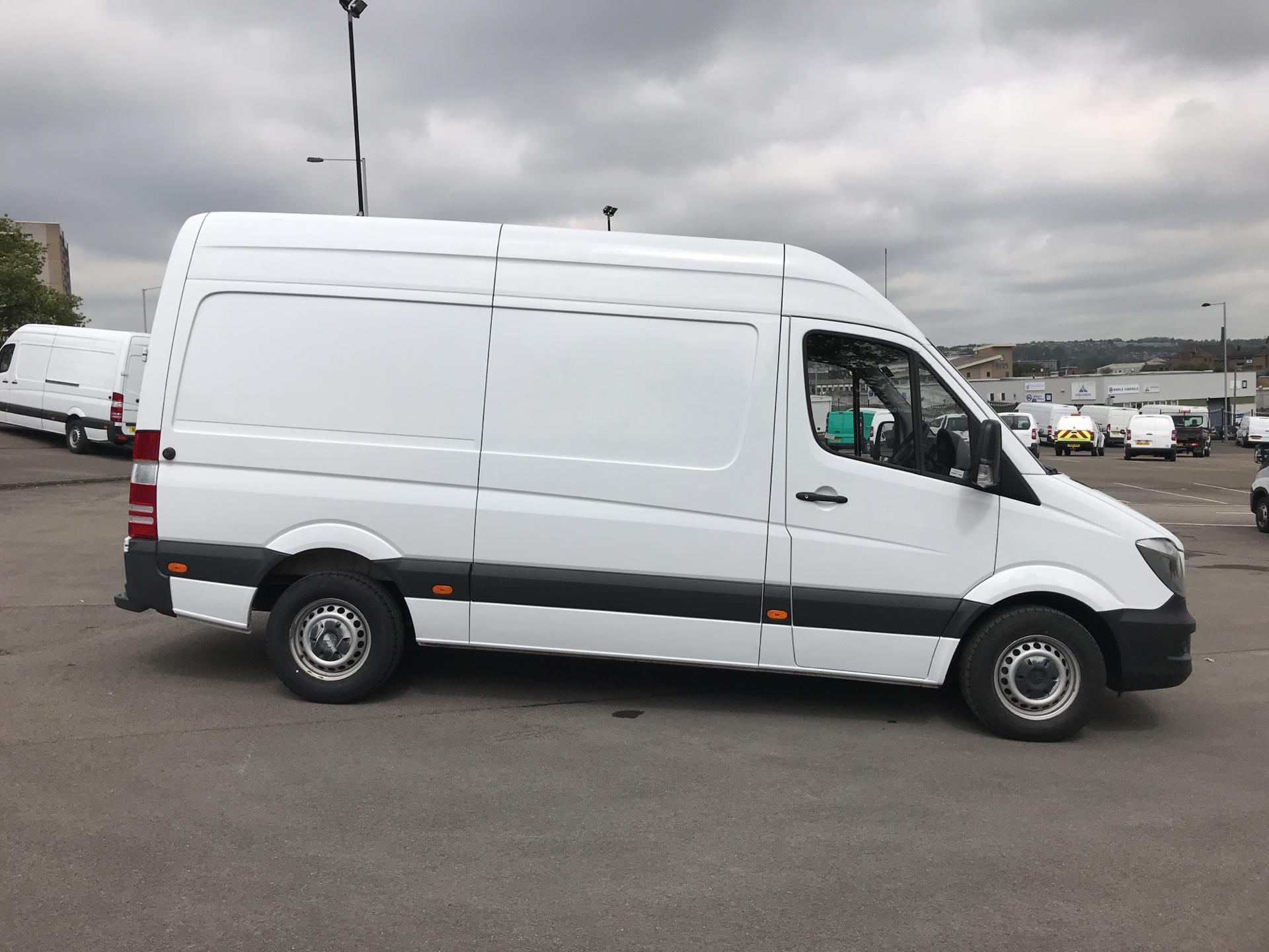 2017 Mercedes-Benz Sprinter 3.5T High Roof Van MWB (KN17BVK) Thumbnail 2