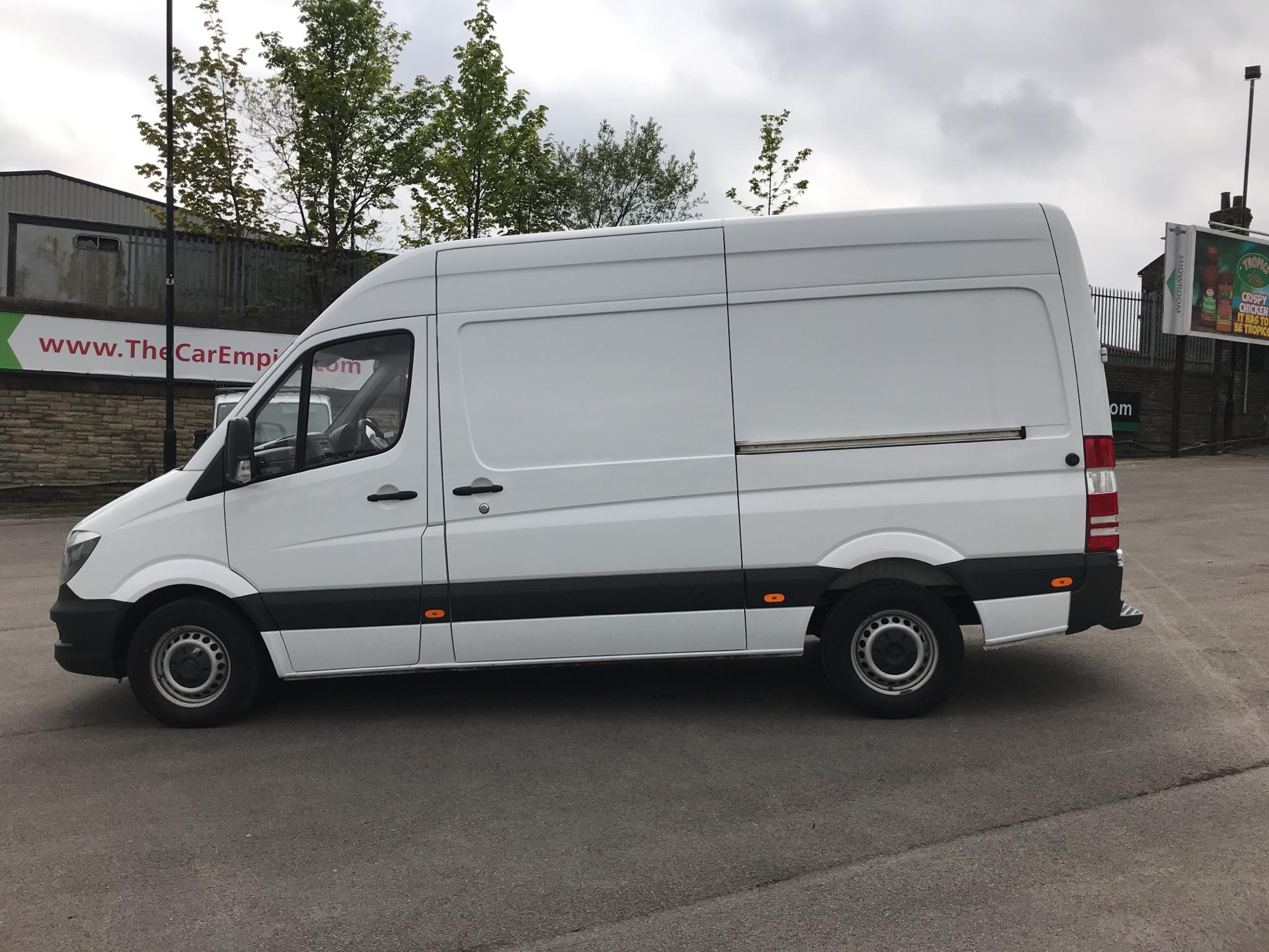 2017 Mercedes-Benz Sprinter 3.5T High Roof Van MWB (KN17BVK) Image 6