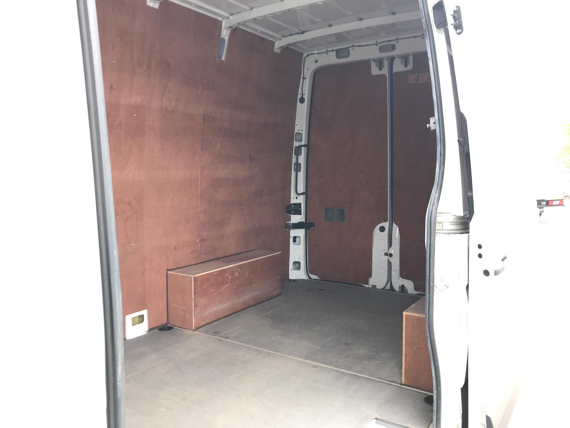 2017 Mercedes-Benz Sprinter 3.5T High Roof Van MWB (KN17BVK) Image 19