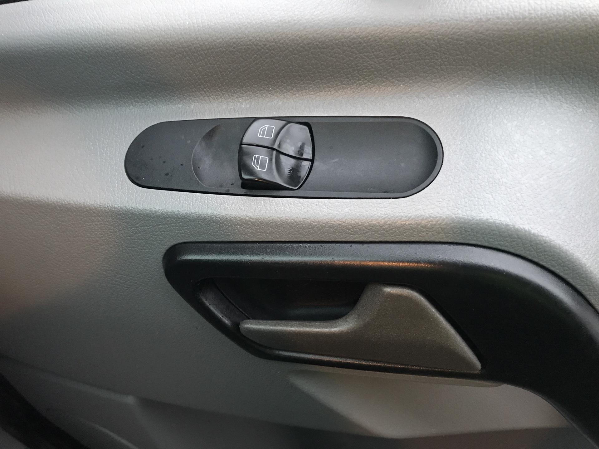 2017 Mercedes-Benz Sprinter 314 LWB H/R VAN EURO 6  (KN17BWV) Image 20
