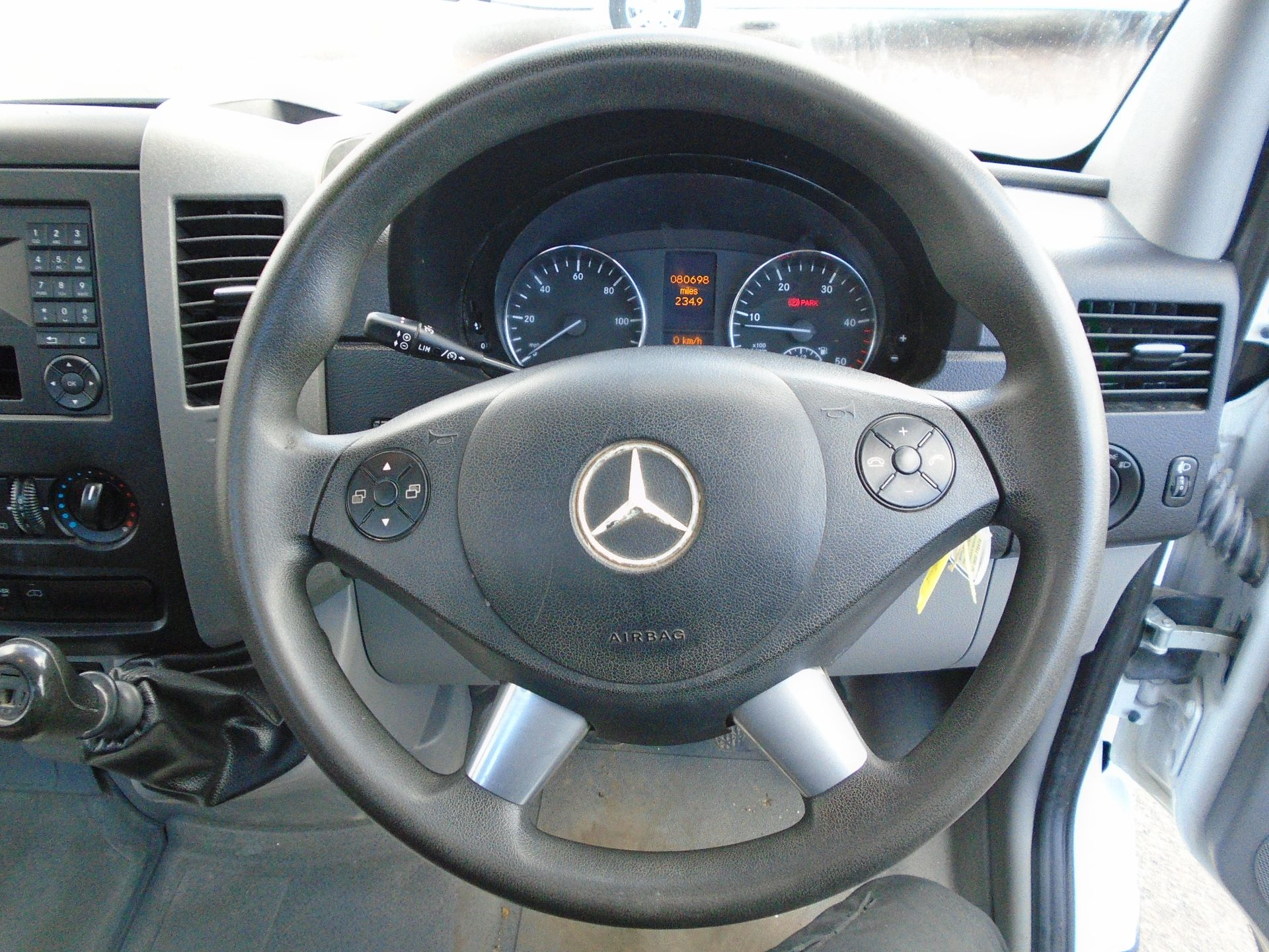 2017 Mercedes-Benz Sprinter 3.5T Blue Efficiency Dropside (KN17NZO) Image 12