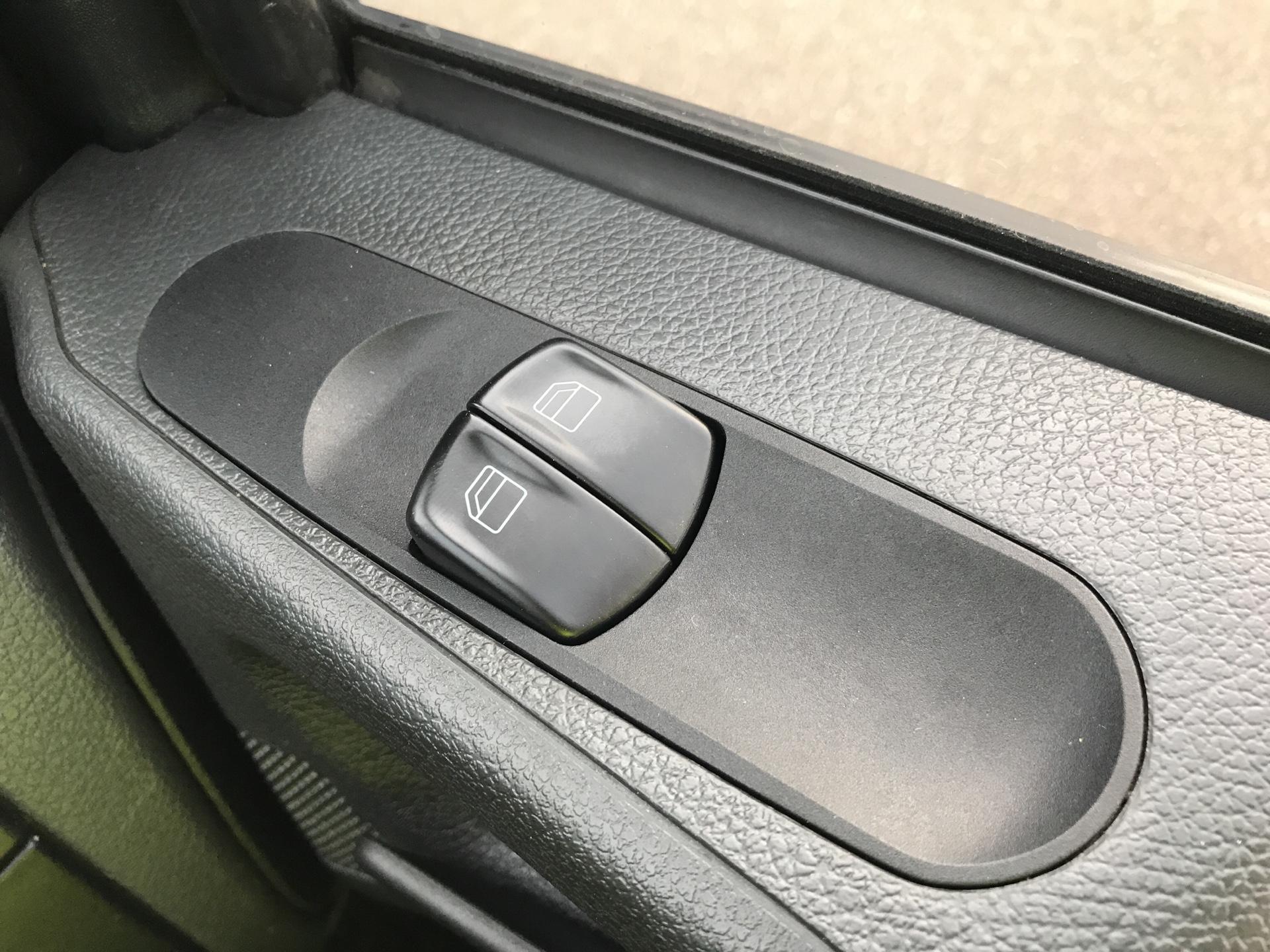 2014 Mercedes-Benz Vito LONG 113 CDI VAN EURO 5 (KN64XEW) Image 19