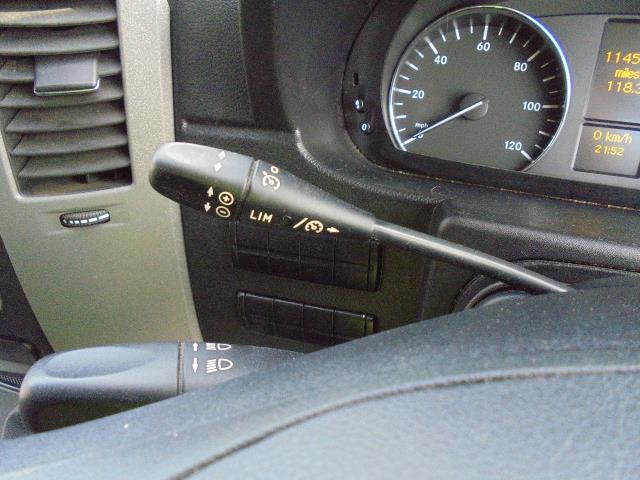 2015 Mercedes-Benz Sprinter  313 MWB 3.5T HIGH ROOF EURO 5 (KN65OPC) Image 11
