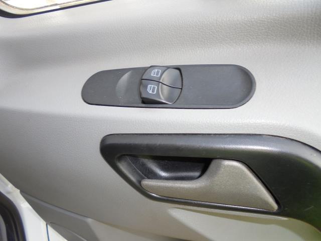 2015 Mercedes-Benz Sprinter  313 MWB 3.5T HIGH ROOF EURO 5 (KN65OPC) Image 9