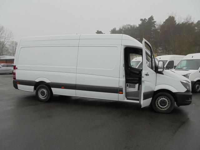 2016 Mercedes-Benz Sprinter 3.5T High Roof Van (KN66BZK) Image 5