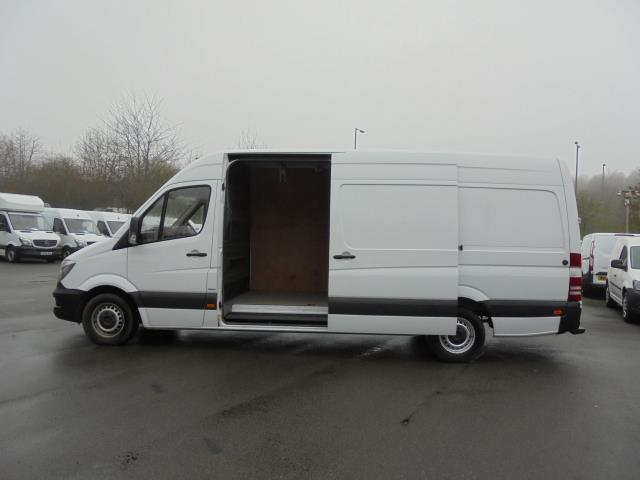 2016 Mercedes-Benz Sprinter 3.5T High Roof Van (KN66BZK) Image 18