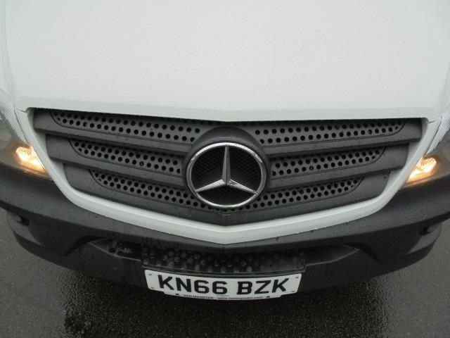 2016 Mercedes-Benz Sprinter 3.5T High Roof Van (KN66BZK) Image 22
