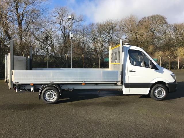 2017 Mercedes-Benz Sprinter LWB DROP SIDE EURO 6 WITH TAIL-LIFT (KN67EXH) Image 10
