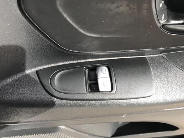 2017 Mercedes-Benz Vito 111Cdi Van LWB Euro 6 (KN67EYK) Image 19