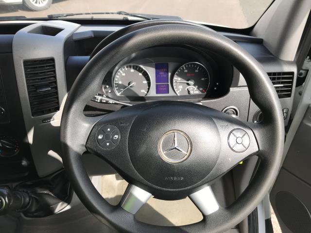 2017 Mercedes-Benz Sprinter 314CDI 13FT LUTON 140PS TAIL LIFT EURO 6 (KN67EZJ) Image 5