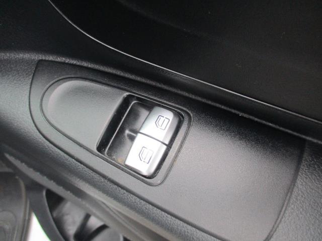 2017 Mercedes-Benz Vito 111Cdi Van (KN67FAA) Image 18