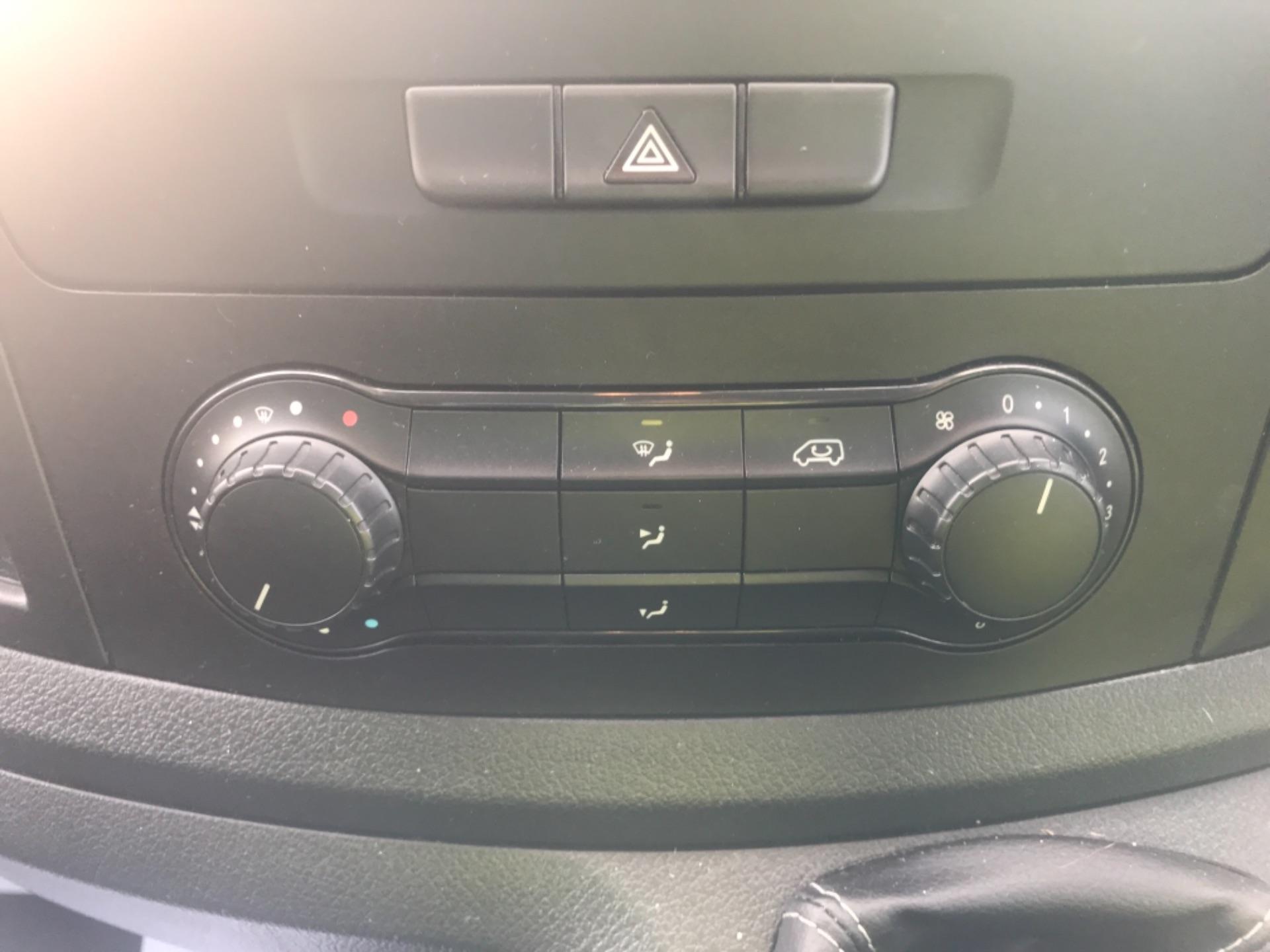 2017 Mercedes-Benz Vito LONG 111CDI VAN EURO 6  (KN67UUD) Image 12