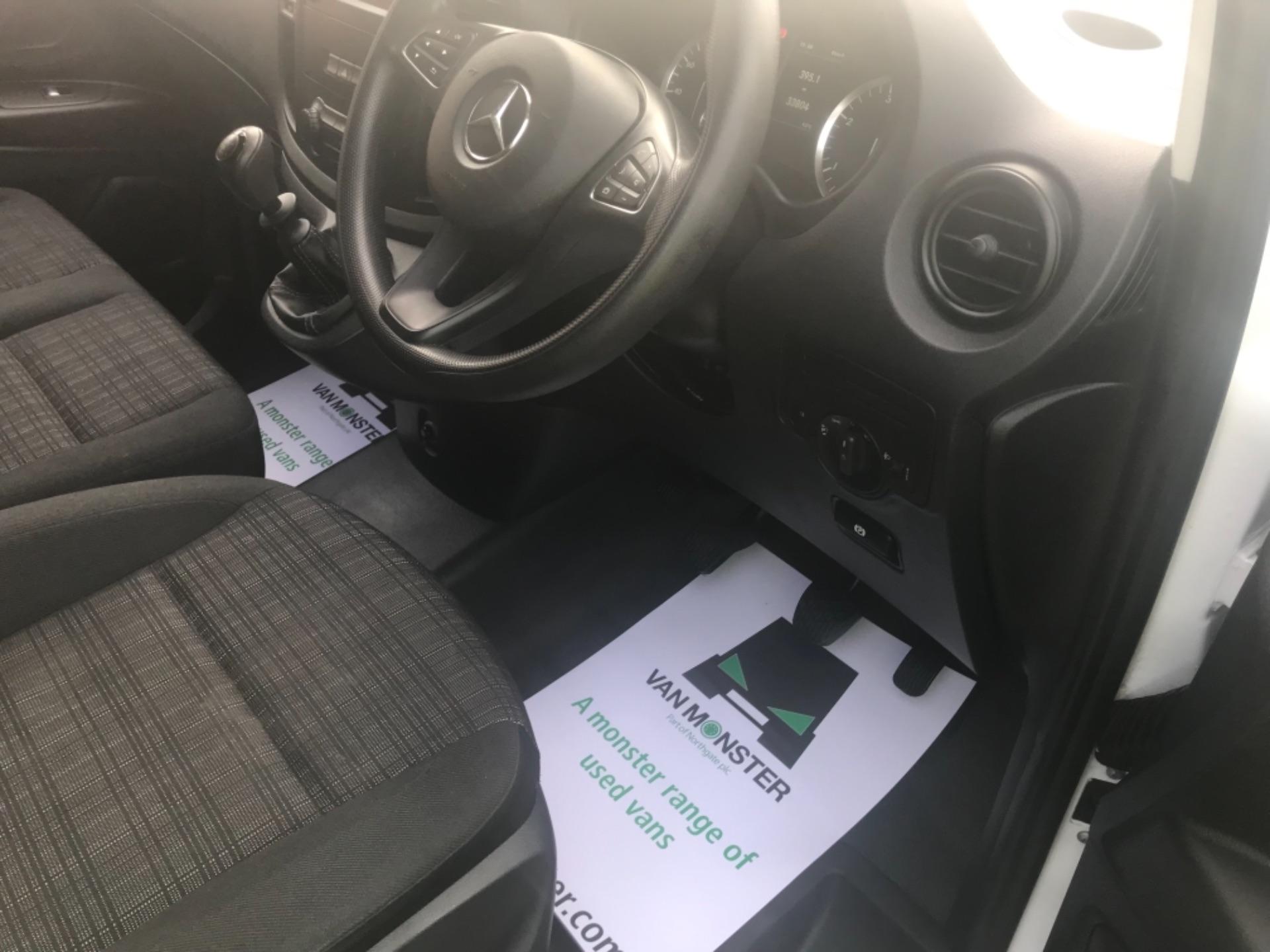 2017 Mercedes-Benz Vito LONG 111CDI VAN EURO 6  (KN67UUD) Image 9