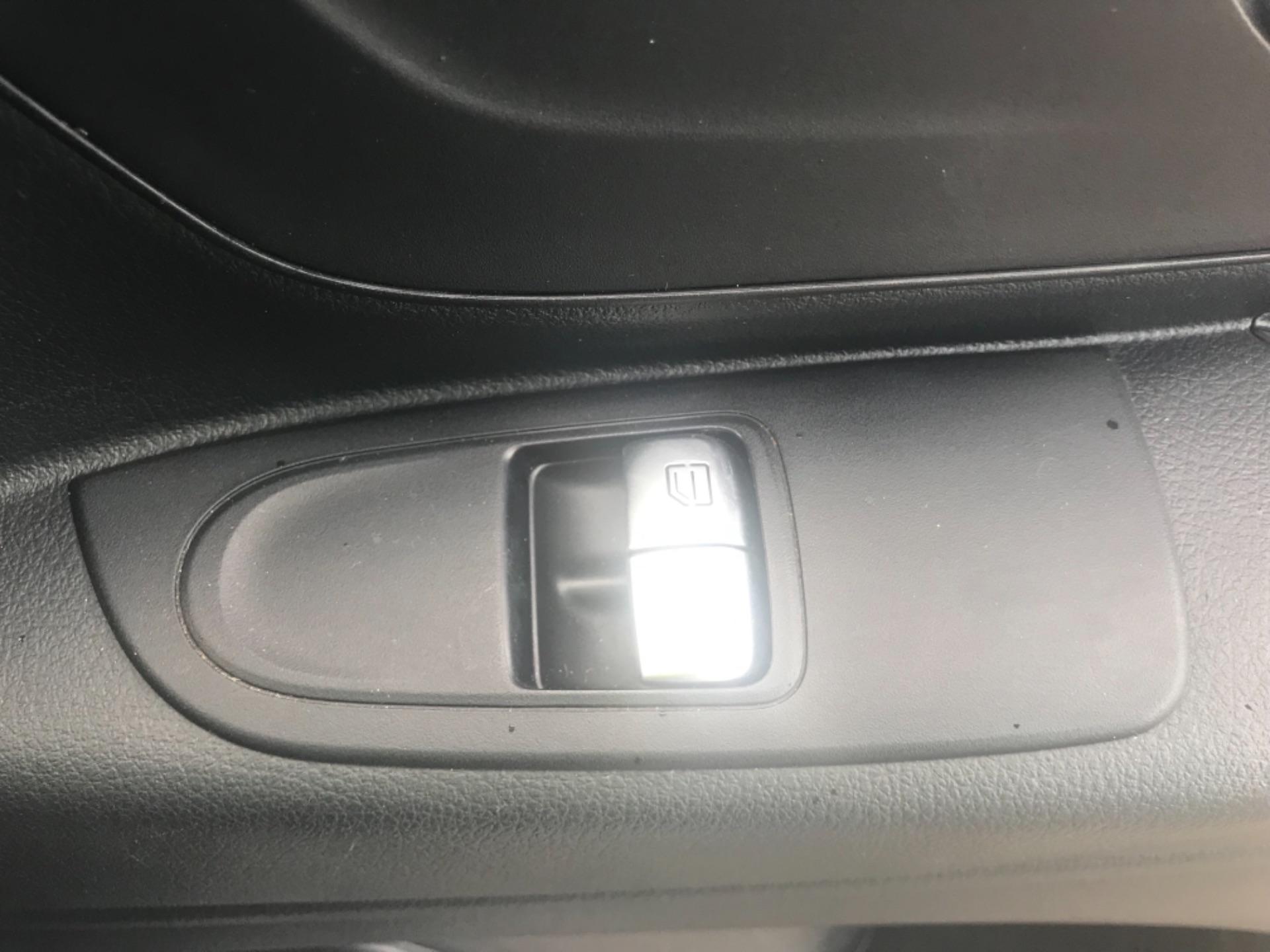 2017 Mercedes-Benz Vito LONG 111CDI VAN EURO 6  (KN67UUD) Image 20