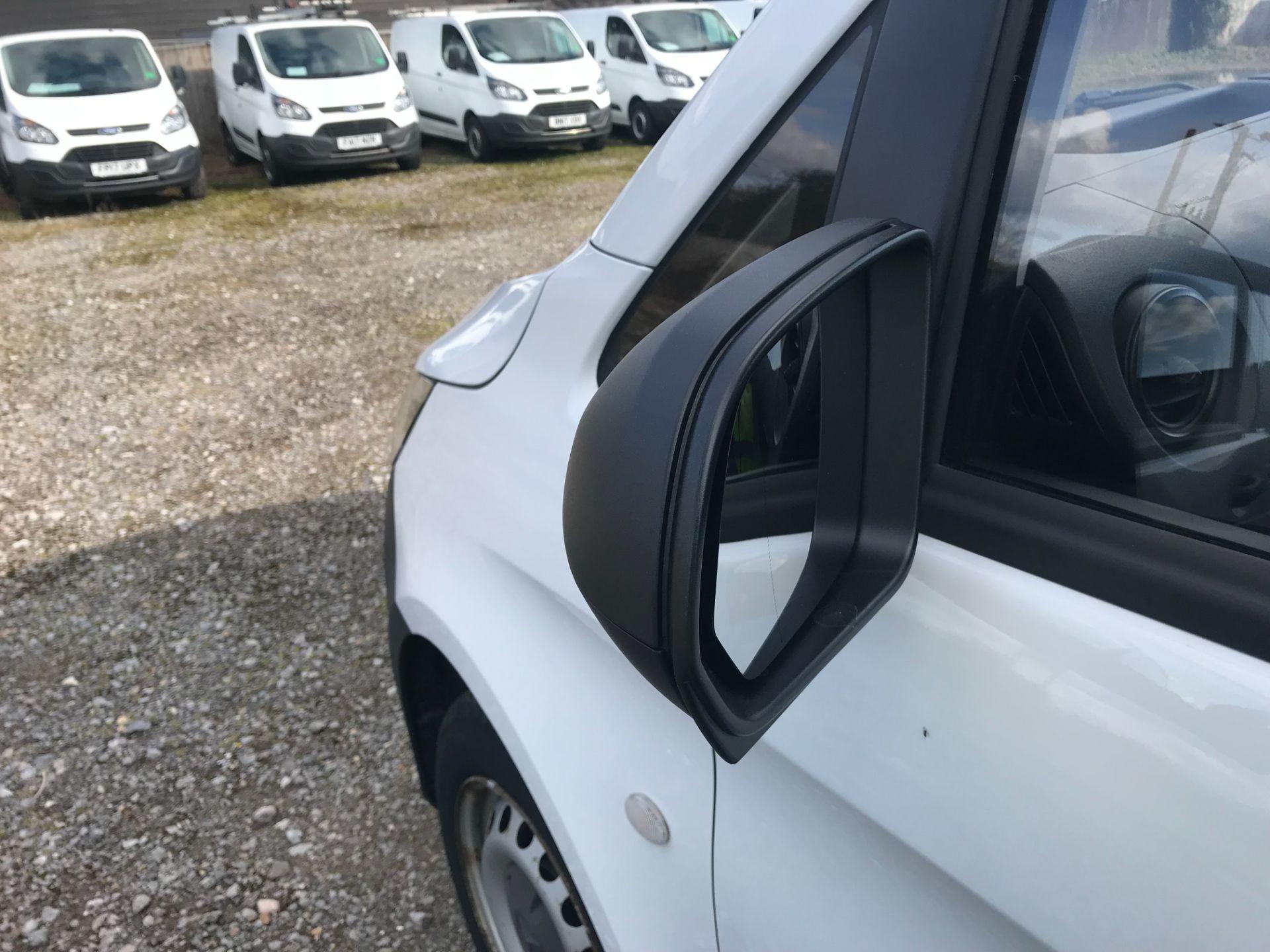 2017 Mercedes-Benz Vito LONG 111CDI VAN EURO 6  (KN67UUV) Image 36