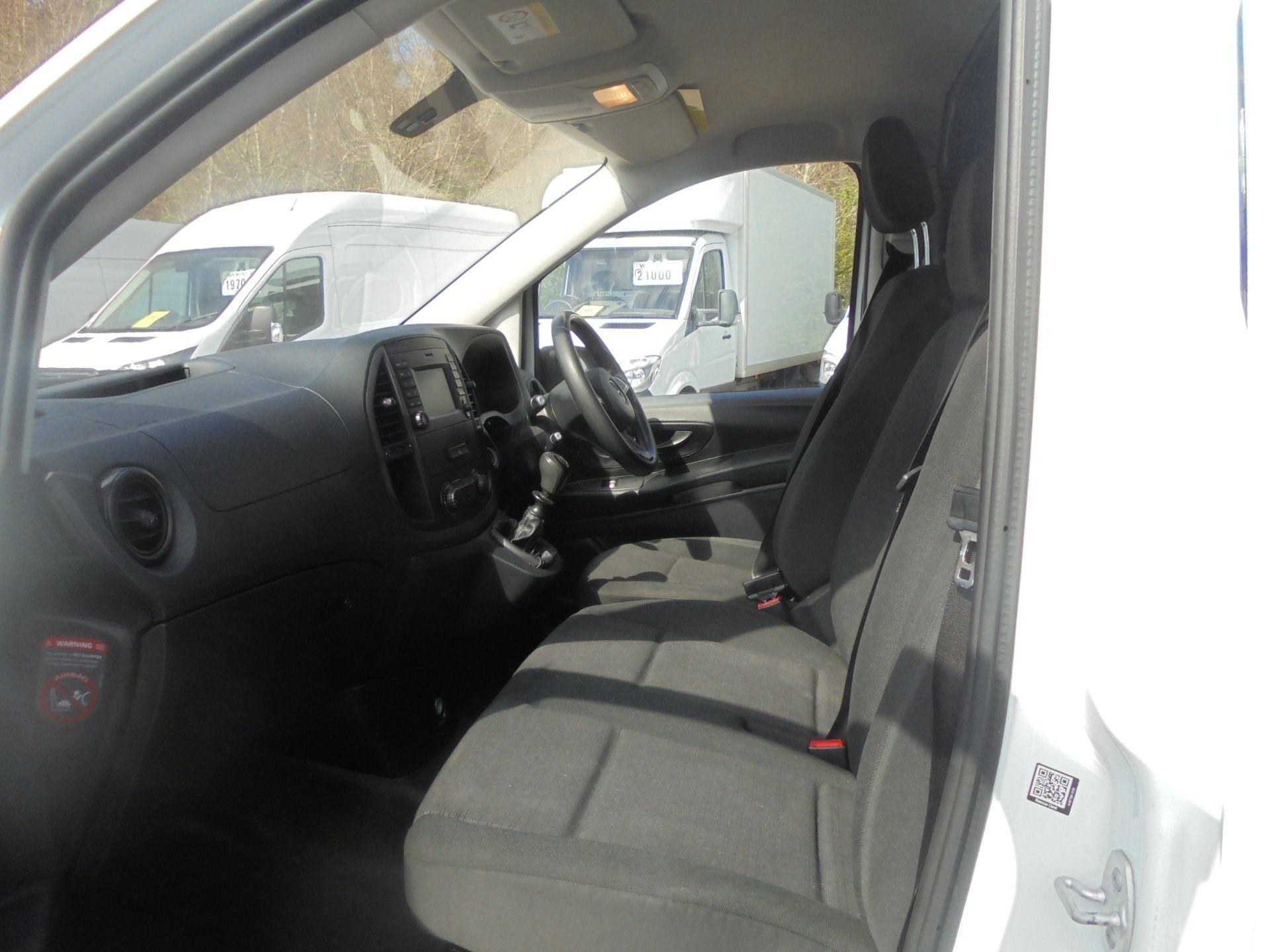 2017 Mercedes-Benz Vito 111Cdi Van (KN67UVL) Image 5