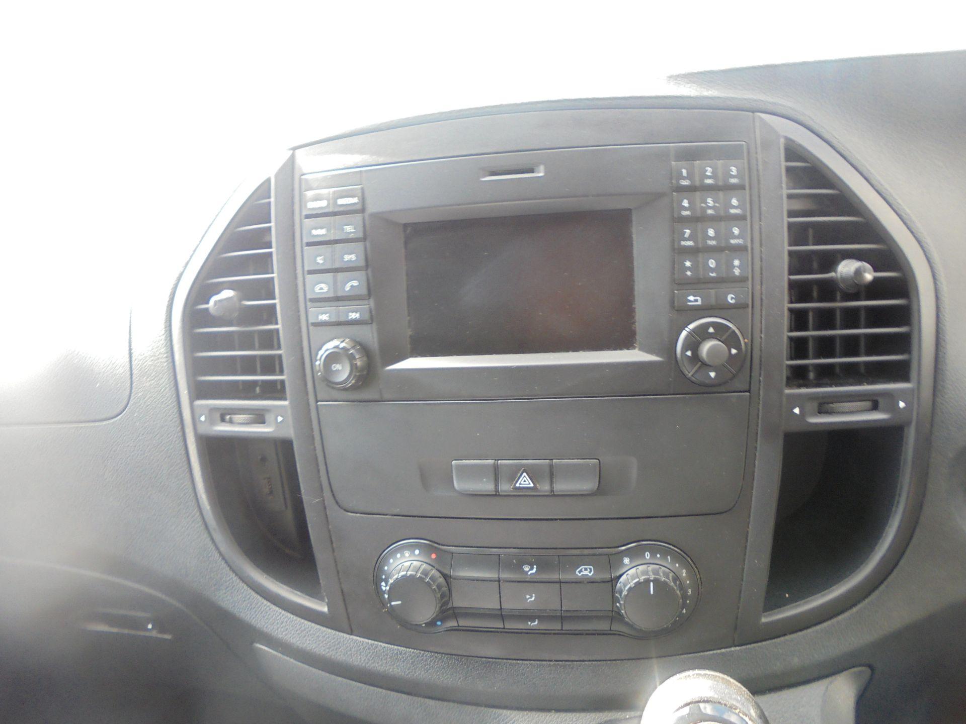 2017 Mercedes-Benz Vito 111Cdi Van (KN67UVL) Image 16