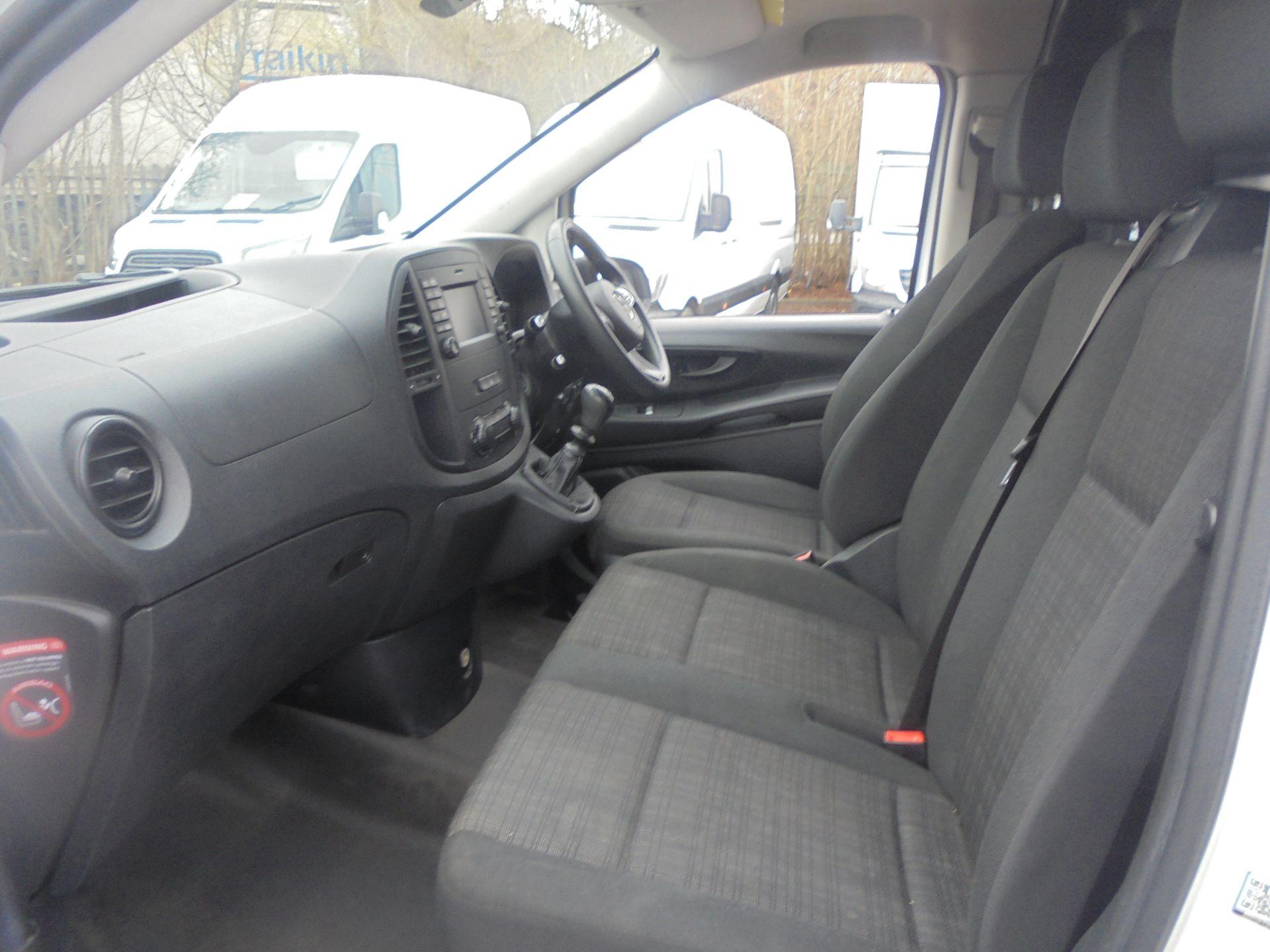 2017 Mercedes-Benz Vito 111Cdi Van (KN67UVM) Image 5
