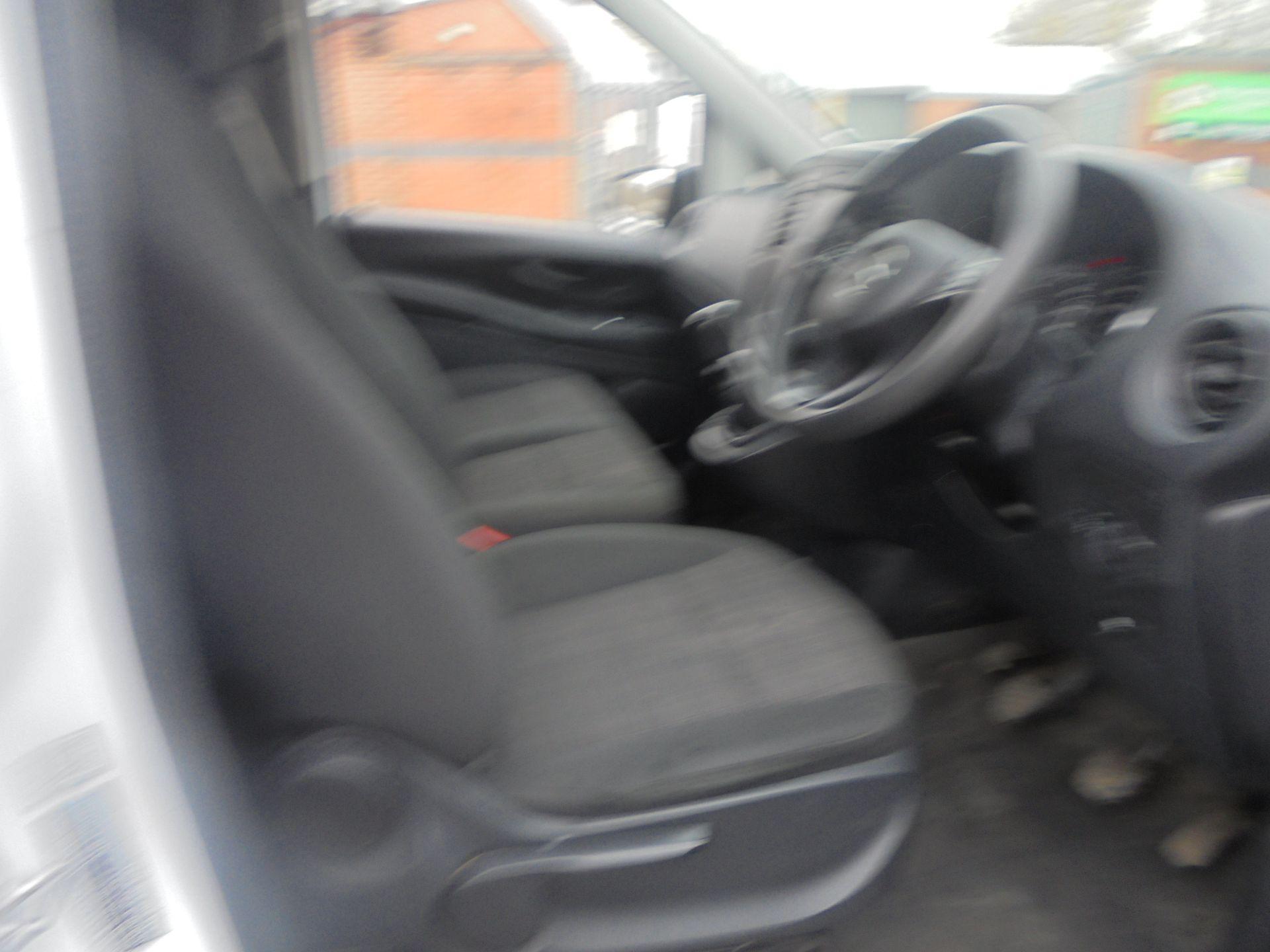 2017 Mercedes-Benz Vito 111Cdi Van (KN67UVM) Image 14