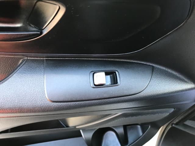 2017 Mercedes-Benz Vito 111Cdi Van LWB Euro 6 (KN67UVP) Image 28