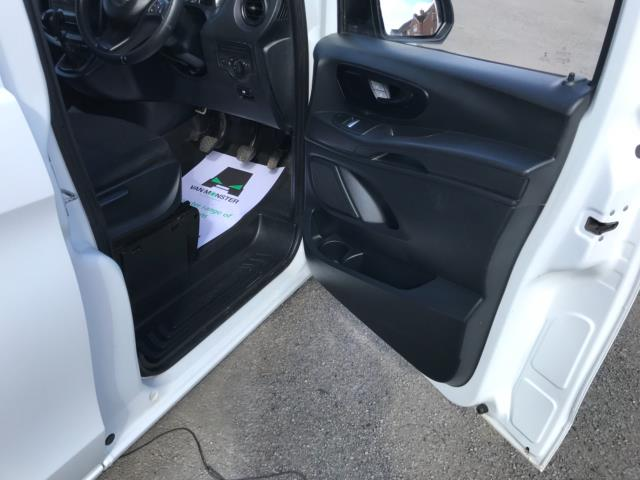2017 Mercedes-Benz Vito 111Cdi Van LWB Euro 6 (KN67UVP) Image 13