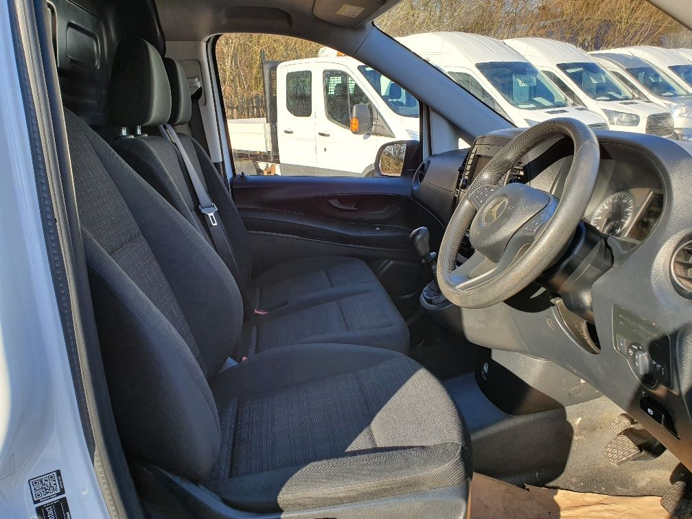 2017 Mercedes-Benz Vito 111Cdi Van (KN67UVS) Image 5