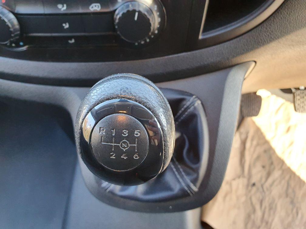 2017 Mercedes-Benz Vito 111Cdi Van (KN67UVS) Image 7