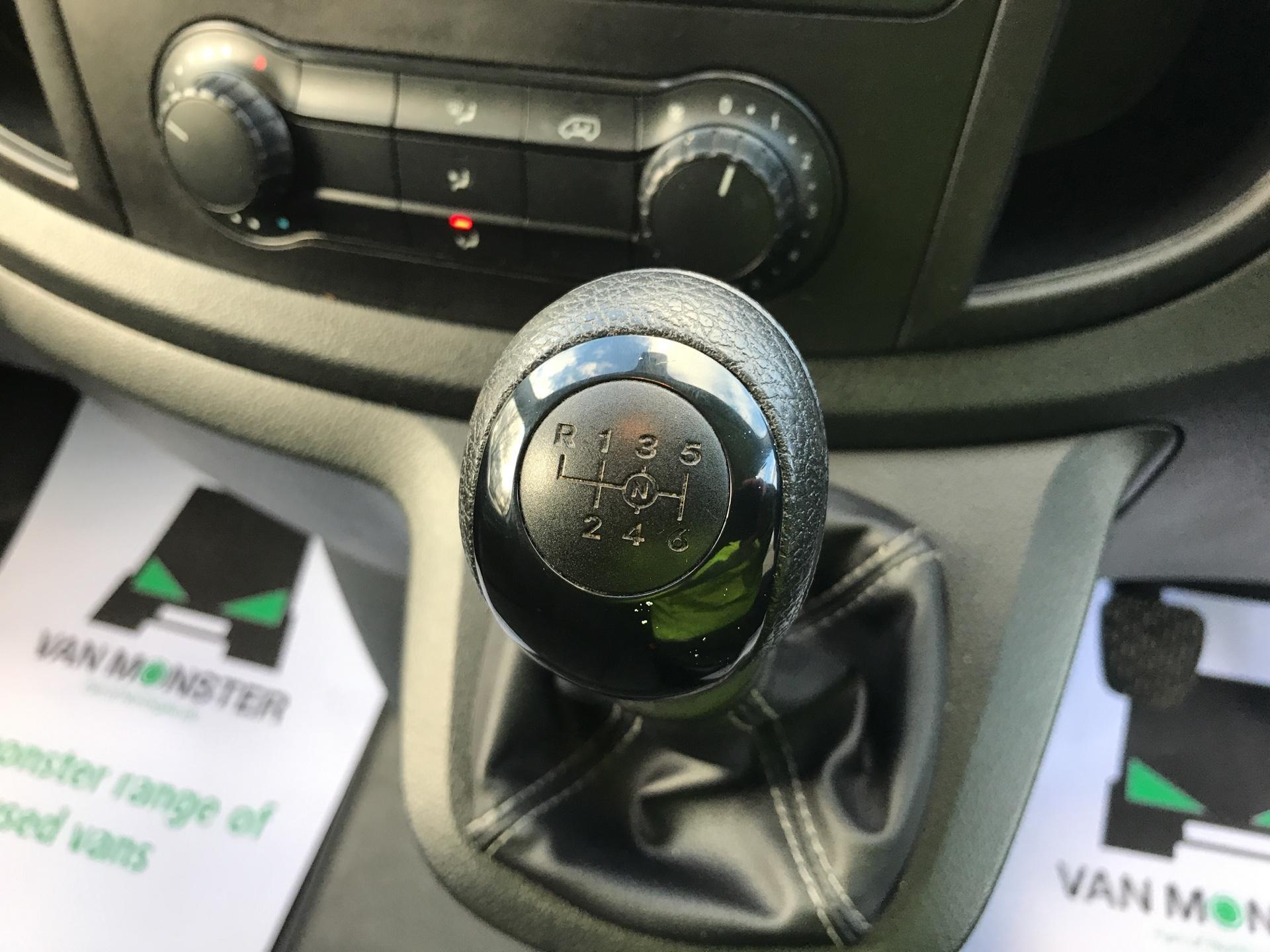 2017 Mercedes-Benz Vito LONG 111CDI VAN EURO 6  (KN67UWH) Image 11