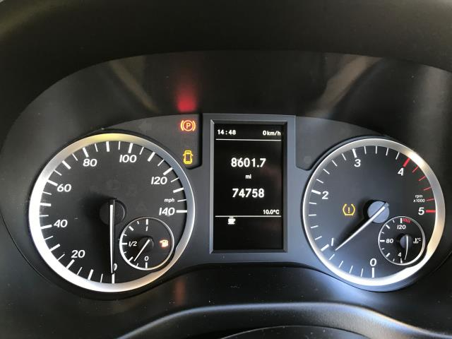 2017 Mercedes-Benz Vito 111CDI LWB 110PS EURO 6 (KN67UWP) Image 6
