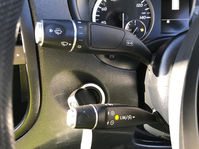 2017 Mercedes-Benz Vito 111CDI LWB 110PS EURO 6 (KN67UWP) Image 26