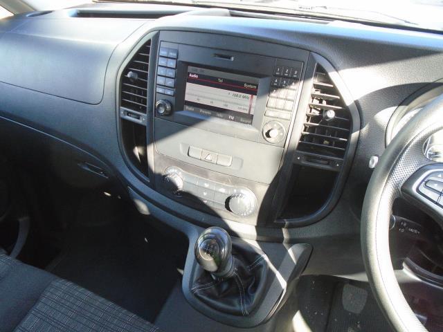 2017 Mercedes-Benz Vito 111Cdi Van (KN67UWW) Image 18