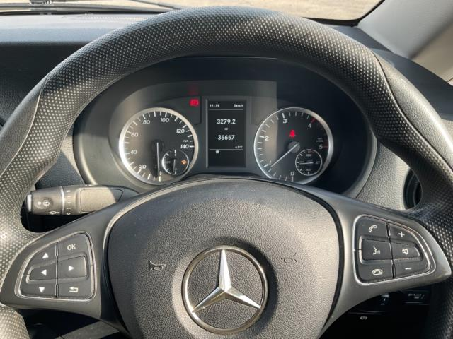 2017 Mercedes-Benz Vito 111Cdi Van (KN67UXY) Image 15