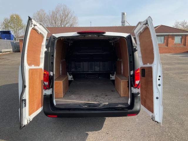 2017 Mercedes-Benz Vito 111Cdi Van (KN67UXY) Image 12