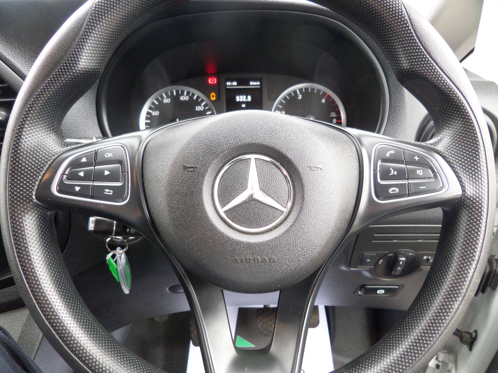 2017 Mercedes-Benz Vito 111Cdi LWB Van Euro 6 (KN67UYU) Image 17